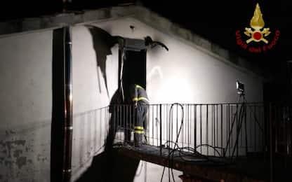 Lucca, incendio in una casa a Borgo a Mazzano: morta una 14enne