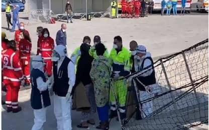 Sbarcati a Pozzallo i 363 migranti della nave Open Arms