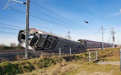 Treno deragliato a Lodi, oltre ai cinque operai indagata anche Rfi