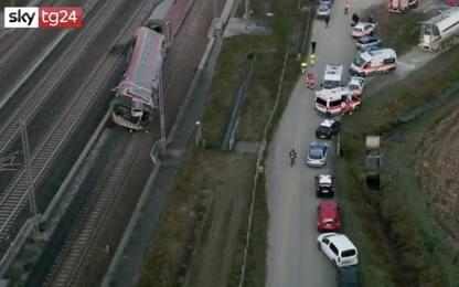Treno alta velocità deragliato a Lodi, le immagini dall'alto. VIDEO