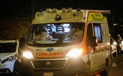Incidente tra un monopattino e un'auto a Bergamo: grave una ragazza