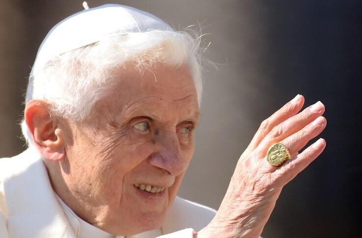Covid Vaticano, anche il papa emerito Joseph Ratzinger si è vaccinato
