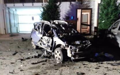 Bomba esplode sotto auto carabiniere a Ruvo di Puglia, nel Barese