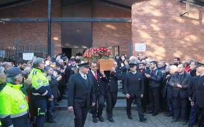 Treno deragliato Lodi, a Pioltello i funerali di Mario Dicuonzo. VIDEO