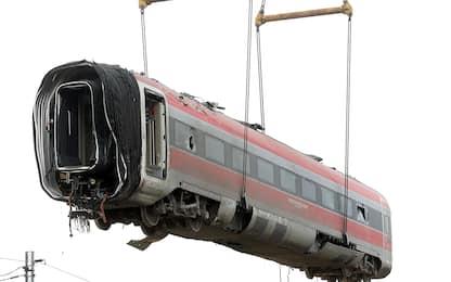 Treno deragliato a Lodi, le operazioni di rimozione