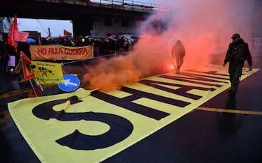 Proteste_navi_Genoa_Hero