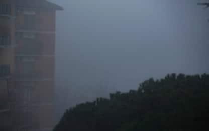 Roma si sveglia avvolta nella nebbia. FOTO