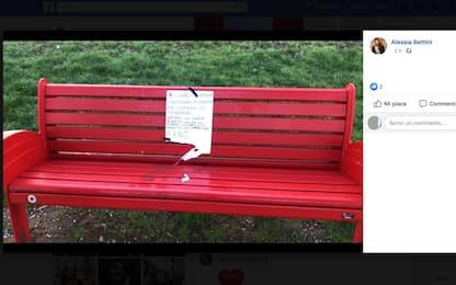 Firenze, panchina contro femminicidi restituita con biglietto di scuse