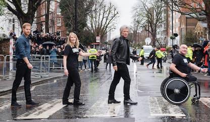 Londra, il principe Harry e Bon Jovi agli Abbey Road Studios
