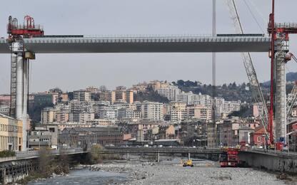 Ponte Genova, terminato con successo sollevamento campata su Polcevera