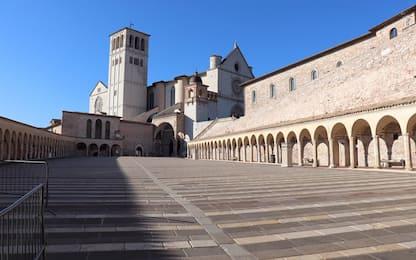 Coronavirus, ad Assisi basiliche e piazze deserte. FOTO