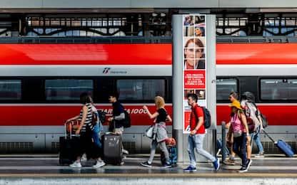 Coronavirus Italia: ridotti treni a lunga percorrenza, stop a notturni