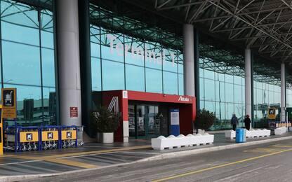 Coronavirus, chiude terminal 1: aeroporto di Fiumicino vuoto