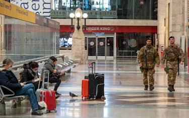 Fotogramma_Coronavirus_controlli_Stazione_Centrale_Milano_Hero_orizzontale