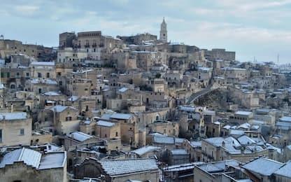 Nevica in Puglia e Basilicata, i sassi di Matera imbiancati. FOTO