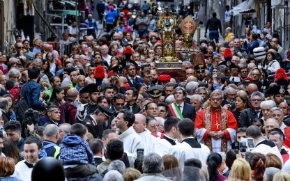 Coronavirus a Napoli, verso annullamento processione San Gennaro