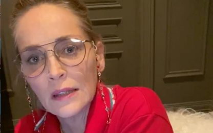 "Coronavirus, Sharon Stone a Croce rossa italiana: ""Vi ammiro"". VIDEO"