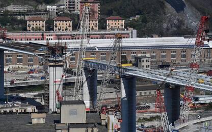 Genova, coronavirus non ferma lavori del nuovo ponte. FOTO