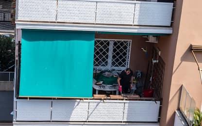 Coronavirus, Pasquetta 2020 si festeggia sui balconi. FOTO
