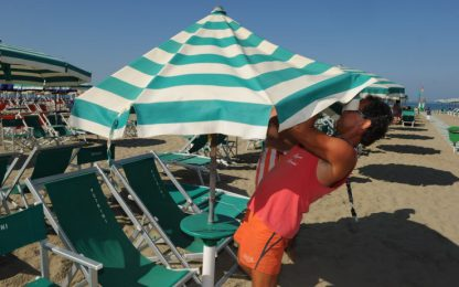 Coronavirus: Versilia, si torna ad anni '60; Puglia, tamponi a turisti