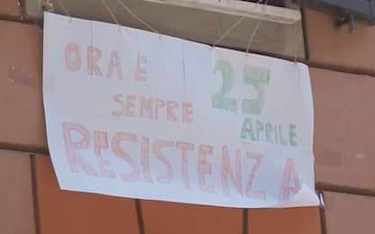 """Roma, 25 aprile: San Lorenzo canta """"Bella ciao"""" dai balconi. VIDEO"""