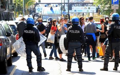 Milano, 25 aprile: tensione fra manifestanti e polizia in via Padova