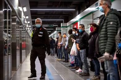 Coronavirus, Regione Lombardia conferma l'ordinanza sui mezzi pubblici