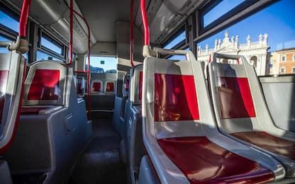 Roma, sassi contro bus a Tor Bella Monaca: nessun ferito