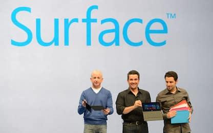 Microsoft lancia i nuovi Surface: arrivano le cuffie smart