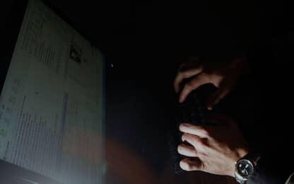 Pedopornografia, stanza torture nel deep web: due 17enni denunciati