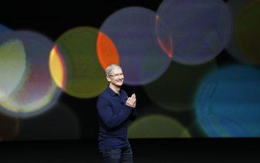 Tim_Cook_iphone_7_Getty_2