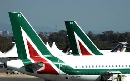 Alitalia: 2mila esuberi nel piano. Sindacati: sciopero il 5 aprile