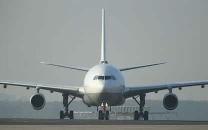 Istat: effetto estate, rincari a due cifre per voli e traghetti