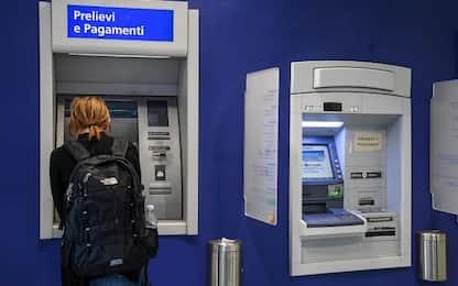 Roma, 43enne ferito con coltello durante tentata rapina al bancomat