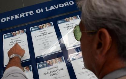Istat: a marzo disoccupazione cala al 10,2%, quella giovanile al 30,2%