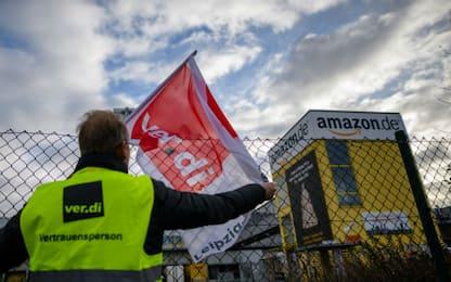 Germania, la protesta dei lavoratori di Amazon. FOTO
