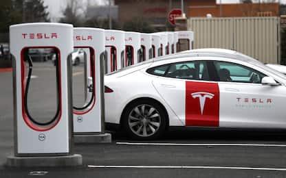 Elon Musk: Tesla, ride sharing con taxi robot entro il 2020