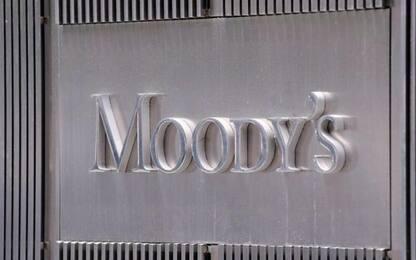 Moody's rinvia esame su Italia. Dbrs conferma rating
