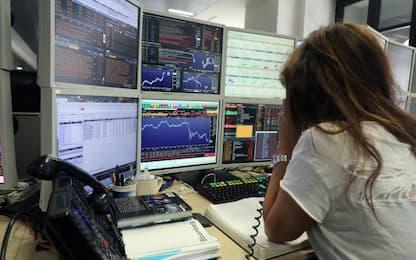 Spread Btp/Bund chiude a 239 punti oggi 20 aprile. Petrolio sprofonda
