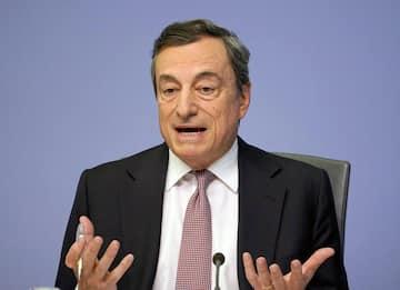 """Eurozona, Draghi: """"Rivedere regole di bilancio, non sono più efficaci"""""""
