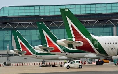 Alitalia, trattative in corso: gli scenari futuri. FOTO