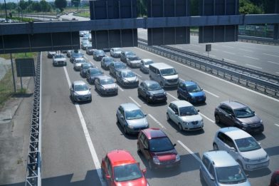 Manovra, tasse per le auto aziendali: ipotesi è dimezzare o azzerare