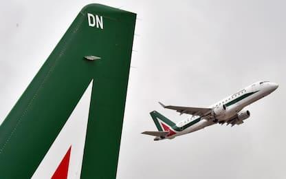 Coronavirus, da oggi Alitalia sospende i voli su Milano Malpensa
