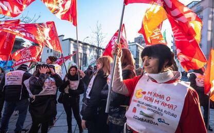 Auchan, da Torino a Milano la protesta dei lavoratori. FOTO