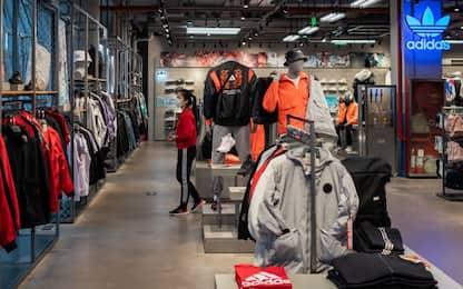 Coronavirus, Adidas e Nike chiudono negozi in Cina