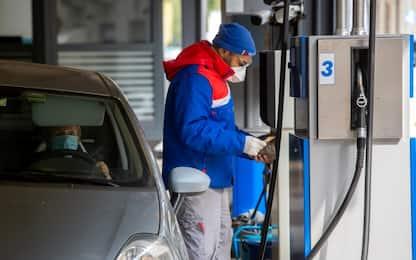 """Coronavirus, benzinai: """"Nessuno sciopero, lottiamo per tenere aperto"""""""