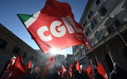 Treno deragliato, sindacati: domani 2 ore sciopero