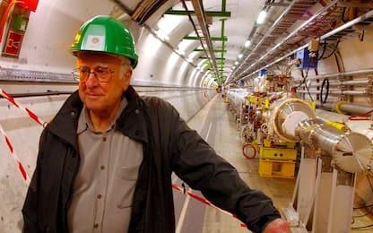 Peter Higgs, il padre del bosone compie 90 anni