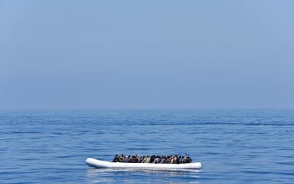 Migranti, naufragio a Lampedusa: robot individua relitto e salme