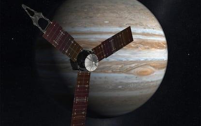 Io, un nuovo studio sui gas vulcanici del satellite di Giove